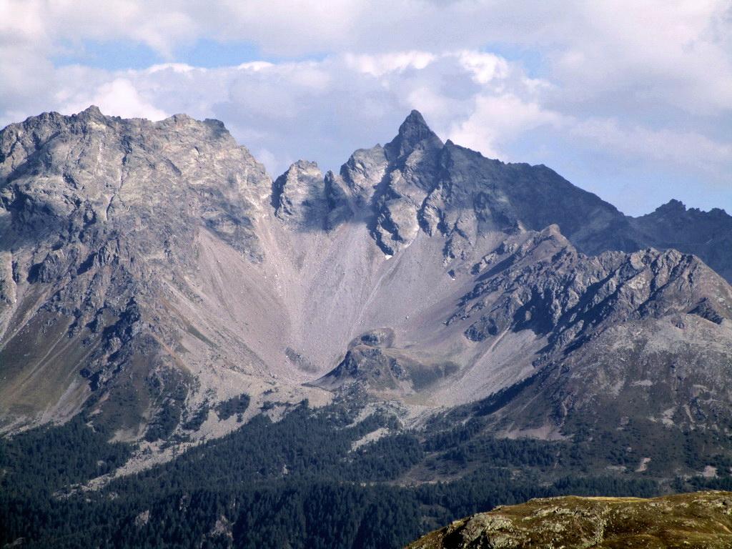 tajomna-pyramida-piz-del-teo-3049m-