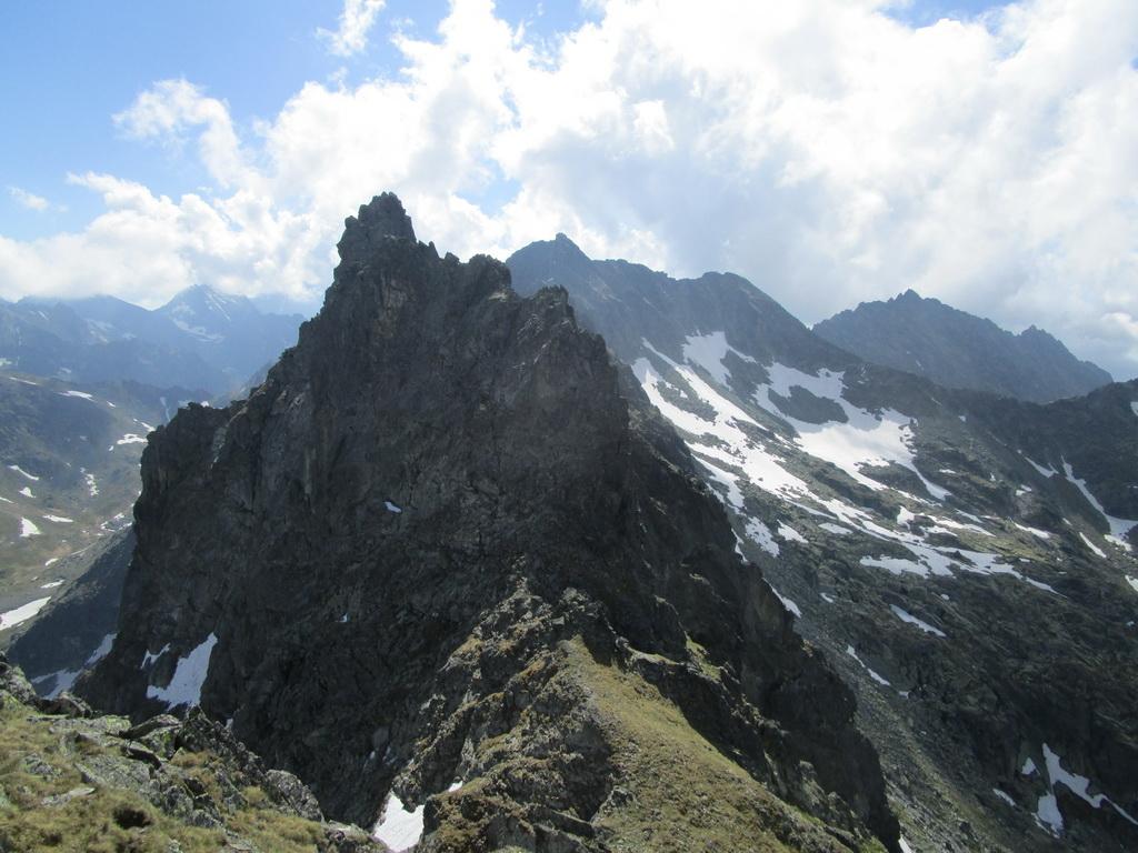 vysoke-tatry-hreben-hrubo